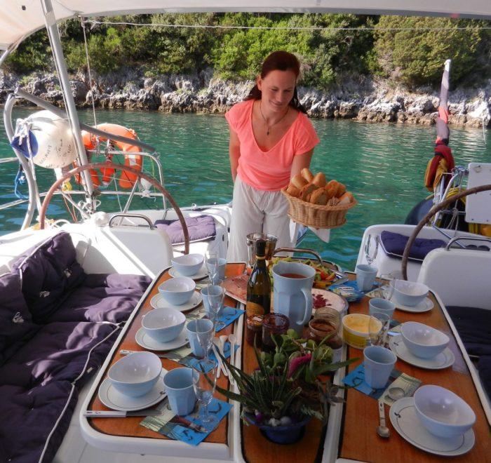 Segeltörn Mittelmeer Mitsegeln. Frühstück